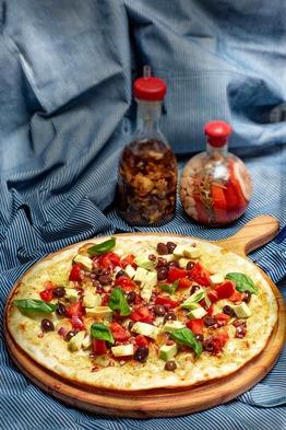 Пицца с Авокадо в ресторане Максима Пицца