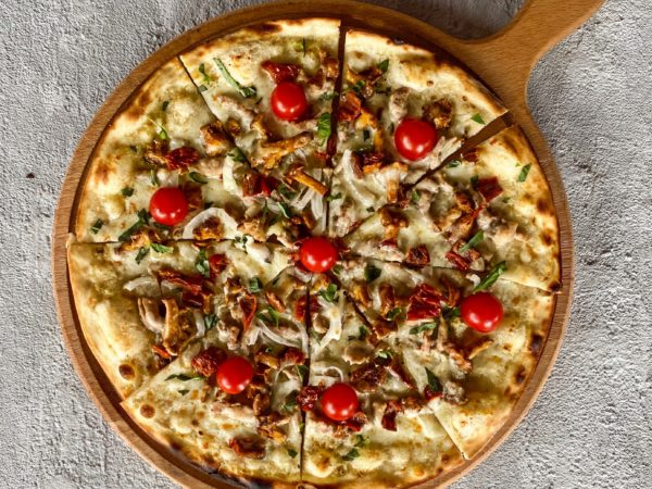 Пицца с кроликом | Ресторан Максима Пицца
